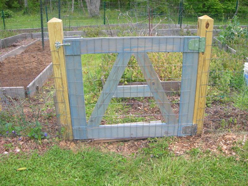 New_garden_gate_2